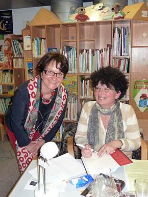 Lesung Trostfrauen von Ruth Hallo (rechts)